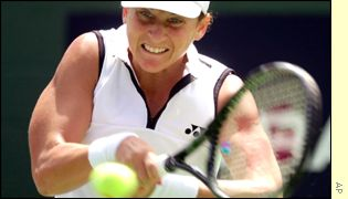 Monica Seles battles in the Californian heat