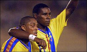 Cleber Chala (left) in action for Ecuador