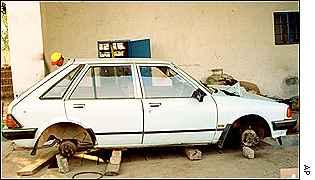Vandalised car in Chinhoyi