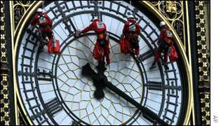 Four cleaners abseil down the face of Big Ben
