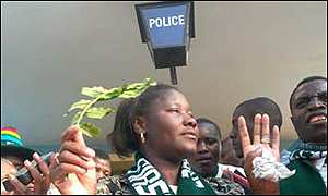 Edith Nawakwi outside the police station (Photo: The Post)