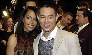 Aaliyah with Hong Kong actor Jet Li at the premiere of their film in March 2000