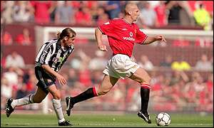 Dutchman Jaap Stam quickly won over the fans at Old Trafford