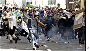 Riots at G8 summit, Genoa