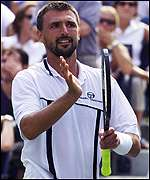 Goran Ivanisevic acknowledges the crowd after his victory