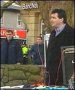 Seimon Glyn addressing a rally