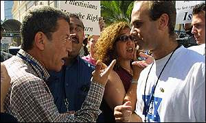 Palestinian and Jewish demonstrators argue in Durban