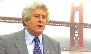 Rhodri Morgan at the Golden Gate bridge