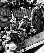 Soldiers returning from Dunkirk