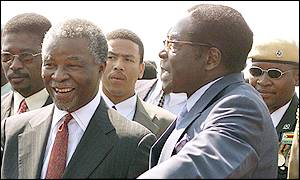 South Africa's Thabo Mbeki (left) and President Robert Mugabe (right)