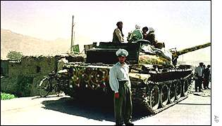 A Taleban tank outside Kabul