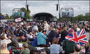 The event was relayed to crowds in Hyde Park