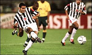 Nicola Amoruso scores Juve's winner from the spot