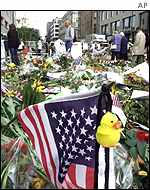 Flowers outside US embassy in Berlin