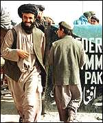 An Afghan enters Pakistan