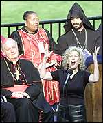 Bette Midler sings at the memorial service