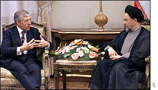UK Foreign Secretary Jack Straw (left) with Iran's President Mohammad Khatami