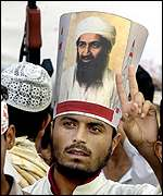 Bin Laden supporter at anti-US rally in Karachi