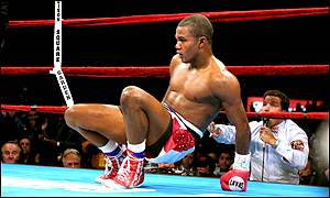 Felix Trinidad slumps to the canvas