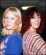 Abba's Agnetha and Frida in a familiar pose