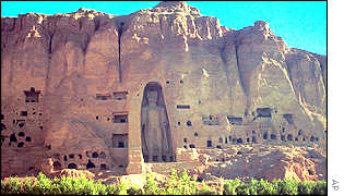 One of the original Bamiyan Buddhas shortly before it was blown up by the Taleban