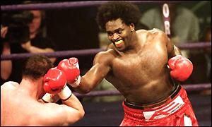Audley Harrison spears Derek McCafferty with a jab