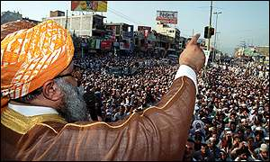 Maulana Fazlur Rehman at rally in Rawalpindi on Friday
