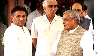President Musharraf (left) and Prime Minister Vajpayee (second right)