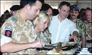 Tony Blair with British soldiers in Oman