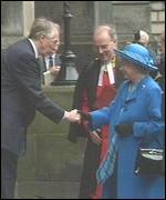 Donald Dewar meets the Queen