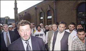 UK Home Secretary David Blunkett visits mosque