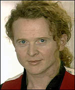 [ image: Mick Hucknall: Money was not too tight to mention for political causes]