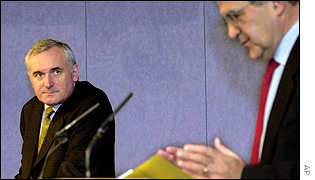 Taoiseach Bertie Ahern (left) and European Commission President Romano Prodi