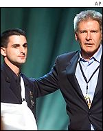 Harrison Ford introduced a police officer hurt on 11 September