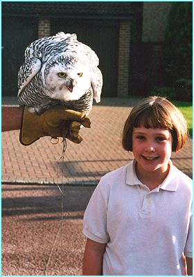 Rachel meets Hedwig the owl