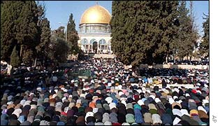 Muslims pray during the Ramadan at the al-Asqa mosque in Jerusalem