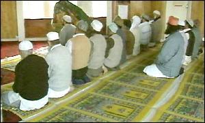 Oraciones en una mezquita en Gran Bretaña