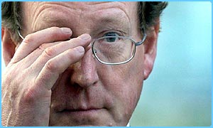 David Trimble wins second vote