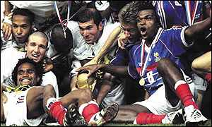 Thierry Henry, Zinedine Zidane and Marcel Desailly are among the delirious French players celebrating victory