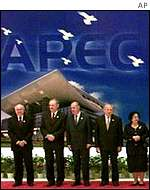 PM John Howard at Apec meeting