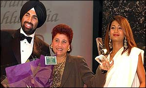 Mo Kohli, Kiranjit Ahluwalia and model Farheen Khan