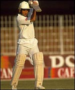 Tendulkar bats in his first Test, aged 16