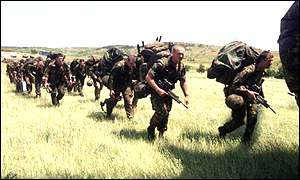 Parachute Regiment soldiers before being deployed in Kosovo
