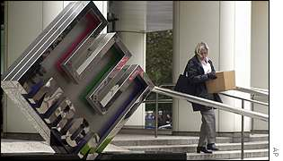 Enron employee leaves the company