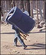 Fleeing Kibera resident
