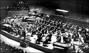 Pierre Boulez conducting the BBC Symphony Orchestra