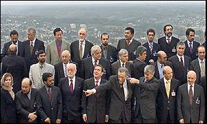 Group photograph of participants at Bonn talks
