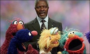Kofi Annan stopped an argument between Elmo and his friends