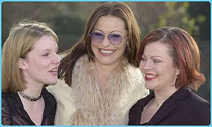 left to right: Clare Hartley, actress Amanda Donohoe and winner Kim Brown