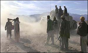 Anti-Taleban fighters near Tora Bora